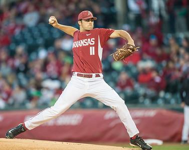 Arkansas pitcher Keaton McKinney (11) pitches during a baseball game between Arkansas and Missouri on 4-2-16.  (Alan Jamison, Nate Allen Sports Service)