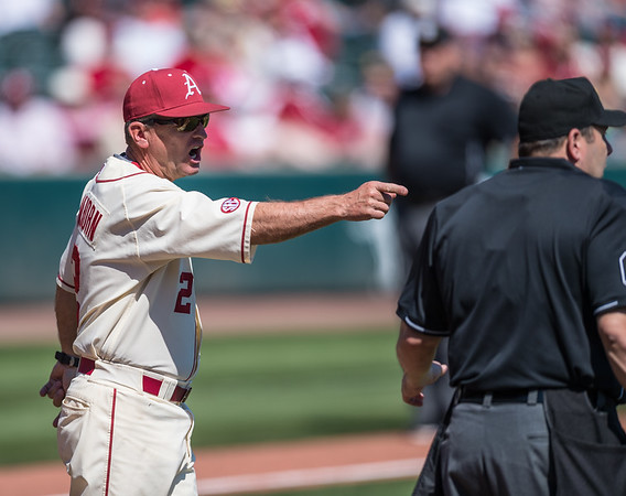 Arkansas head coach Dave Van Horn challenges a call during a baseball game between Arkansas and Missouri on 4-3-16.  (Alan Jamison, Nate Allen Sports Service)