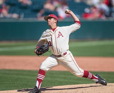 Arkansas pitcher Kacey Murphy (21) pitches during a baseball game between Arkansas and Missouri on 4-3-16.  (Alan Jamison, Nate Allen Sports Service)
