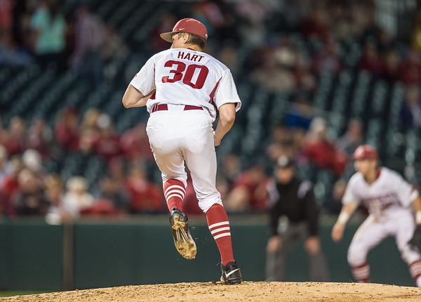 Arkansas pitcher Hunter Hart (30) pitches during a baseball game between Arkansas and Florida on 4/14/2016.   (Alan Jamison, Nate Allen Sports Service)