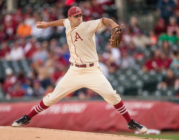 Arkansas pitcher Keaton McKinney (11) pitches during a baseball game between Arkansas and Florida on 4/16/2016.   (Alan Jamison, Nate Allen Sports Service)