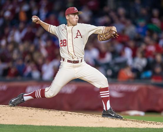 Arkansas pitcher James Teague (28) pitches during a baseball game between Arkansas and Florida on 4/16/2016.   (Alan Jamison, Nate Allen Sports Service)