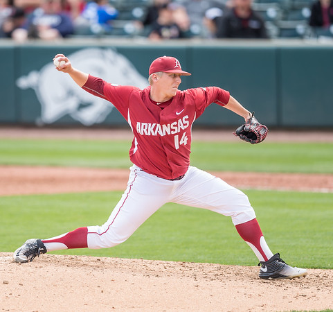 Arkansas pitcher Doug Willey (14) pitches during a baseball game between Arkansas and Florida on 4/16/2016.   (Alan Jamison, Nate Allen Sports Service)