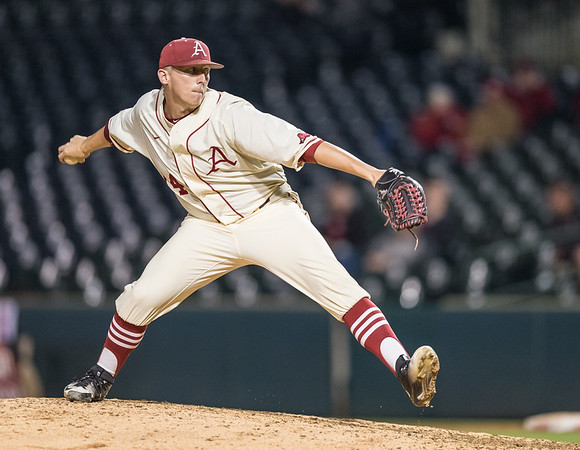 Arkansas pitcher Doug Willey (14) pitches during a baseball game between Arkansas and Creighton on 4/19/2016.   (Alan Jamison, Nate Allen Sports Service)