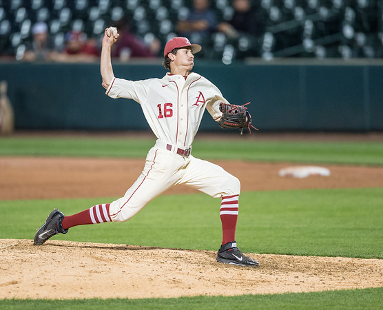 Arkansas pitcher Blaine Knight (16) pitches during a baseball game between Arkansas and Creighton on 4/19/2016.   (Alan Jamison, Nate Allen Sports Service)