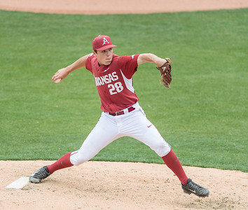Arkansas Razorbacks pitcher James Teague (28) pitches in relief during a baseball game between Alabama and Arkansas on May 15,  2016.   (Alan Jamison, Nate Allen Sports Service)