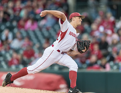 Arkansas pitcher Jake Reindl (34) pitches in relief during the opening day baseball game between Arkansas and Miami (Ohio) on Friday. 2/17/2017.  (Alan Jamison, Nate Allen Sports Service)