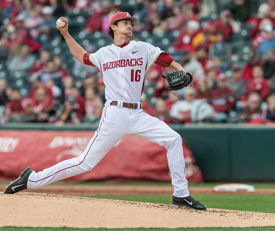 Arkansas pitcher Blaine Knight (16) was the starting pitcher during the opening day baseball game between Arkansas and Miami (Ohio) on Friday. 2/17/2017.  (Alan Jamison, Nate Allen Sports Service)