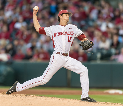 Arkansas pitcher Blaine Knight (16) pitches during a baseball game between Arkansas and LSU on Friday, 4/7/2017.  (Alan Jamison, Nate Allen Sports Service)