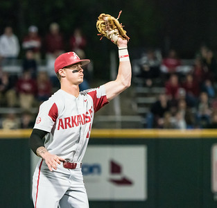 Casey Martin reaches up for an out during a baseball game between the Arkansas Razorbacks and the Vanderbilt Commodores on Friday, April 12, 2019, at Hawkins Stadium.  (Alan Jamison, Nate Allen Sports Service)