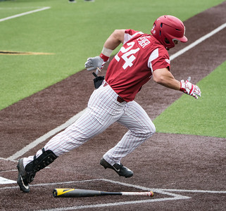 Dominic Fletcher heads to first during a baseball game between the Arkansas Razorbacks and the Vanderbilt Commodores on Saturday, April 13, 2019, at Hawkins Stadium.  (Alan Jamison, Nate Allen Sports Service)