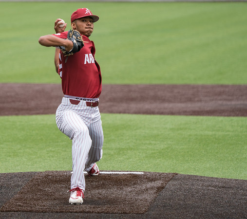 Liam Henry pitches in relief during a baseball game between the Arkansas Razorbacks and the Vanderbilt Commodores on Saturday, April 13, 2019, at Hawkins Stadium.  (Alan Jamison, Nate Allen Sports Service)