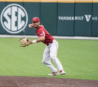 Jack Kelley fields a ball during a baseball game between the Arkansas Razorbacks and the Vanderbilt Commodores on Saturday, April 13, 2019, at Hawkins Stadium.  (Alan Jamison, Nate Allen Sports Service)