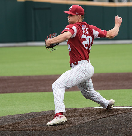 Elijah Trest pitches in relief during a baseball game between the Arkansas Razorbacks and the Vanderbilt Commodores on Saturday, April 13, 2019, at Hawkins Stadium.  (Alan Jamison, Nate Allen Sports Service)