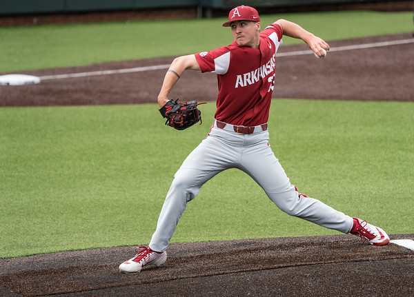 Patrick Wicklander pitches during a baseball game between the Arkansas Razorbacks and the Vanderbilt Commodores on Sunday, April 14, 2019, at Hawkins Stadium.  (Alan Jamison, Nate Allen Sports Service)