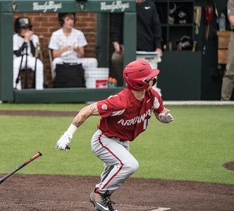 Casey Martin heads to first during a baseball game between the Arkansas Razorbacks and the Vanderbilt Commodores on Sunday, April 14, 2019, at Hawkins Stadium.  (Alan Jamison, Nate Allen Sports Service)