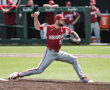Cody Scroggins pitches during a baseball game between the Arkansas Razorbacks and the Vanderbilt Commodores on Sunday, April 14, 2019, at Hawkins Stadium.  (Alan Jamison, Nate Allen Sports Service)