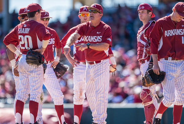 Arkansas head coach Dave Van Horn calls for a new pitcher during a baseball game between Arkansas and Eastern Illinois on 3-5-16.   (Alan Jamison, Nate Allen Sports Service)