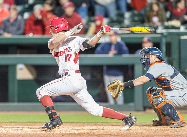 Arkansas outfielder Luke Bonfield (17) gets a walk-off RBI base hit during a baseball game between Arkansas and Auburn on 3-25-16.  (Alan Jamison, Nate Allen Sports Service)