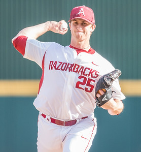 Arkansas pitcher Dominic Taccolini (25) during a baseball game between Arkansas and Central Michigan on 2-19-16.   (Alan Jamison, Nate Allen Sports Service)