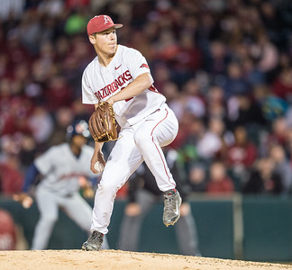 Arkansas pitcher James Teague (28) pitches during a baseball game between Arkansas and Auburn on 3-25-16.  (Alan Jamison, Nate Allen Sports Service)
