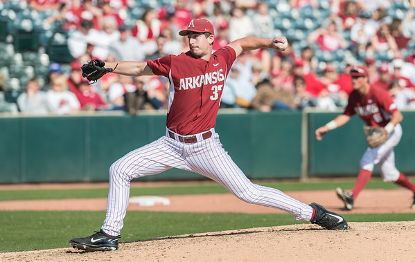 Arkansas pitcher Weston Rogers (37) pitches in relief during a baseball game between Arkansas and Miami (Ohio) on Saturday. 2/18/2017.  (Alan Jamison, Nate Allen Sports Service) rvice)