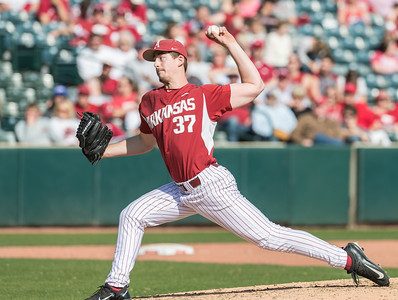 Arkansas pitcher Weston Rogers (37) pitches in relief during a baseball game between Arkansas and Miami (Ohio) on Saturday. 2/18/2017.  (Alan Jamison, Nate Allen Sports Service)