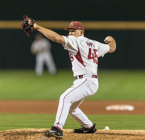 Arkansas pitcher Kevin Kopps (45) pitches in relief during a baseball game between Arkansas and Mississippi State on Friday, 3/17/2017.  (Alan Jamison, Nate Allen Sports Service)