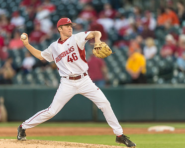 Arkansas pitcher Barrett Loseke (46) pitches during a baseball game between Arkansas and Oklahoma State University on 4/26/2016.   (Alan Jamison, Nate Allen Sports Service)
