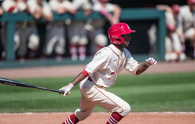 Arkansas outfielder Darien Simms (7) at bat during a baseball game between Arkansas and Missouri on 4-3-16.  (Alan Jamison, Nate Allen Sports Service)