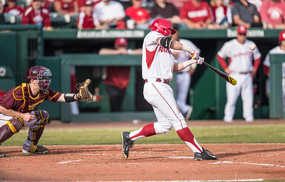 Arkansas outfielder Eric Cole (8) during a baseball game between Arkansas and Central Michigan on 2-19-16.   (Alan Jamison, Nate Allen Sports Service)