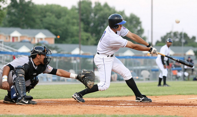 Kingsport Mets #9 takes a swing. Photo by Erica Yoon