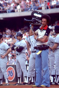 1977 World Series, Reggie Jackson in BG, Dodger Stadium pre game ceremony