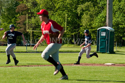 2010 Baseball Varsity-17