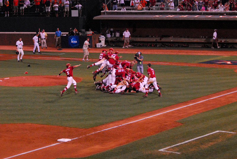 University of Oklahoma Sooners Celebrating 2010 NCAA Super Reigonal Championship