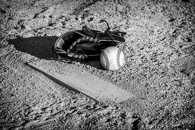20160410-175035_[pitcher glove]_0001_Archive-2
