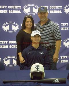 Tift County  Baseball players Le Bassett and Christian Avant sign to play college baseball  All Photos Shine Rankin JR./SGSN