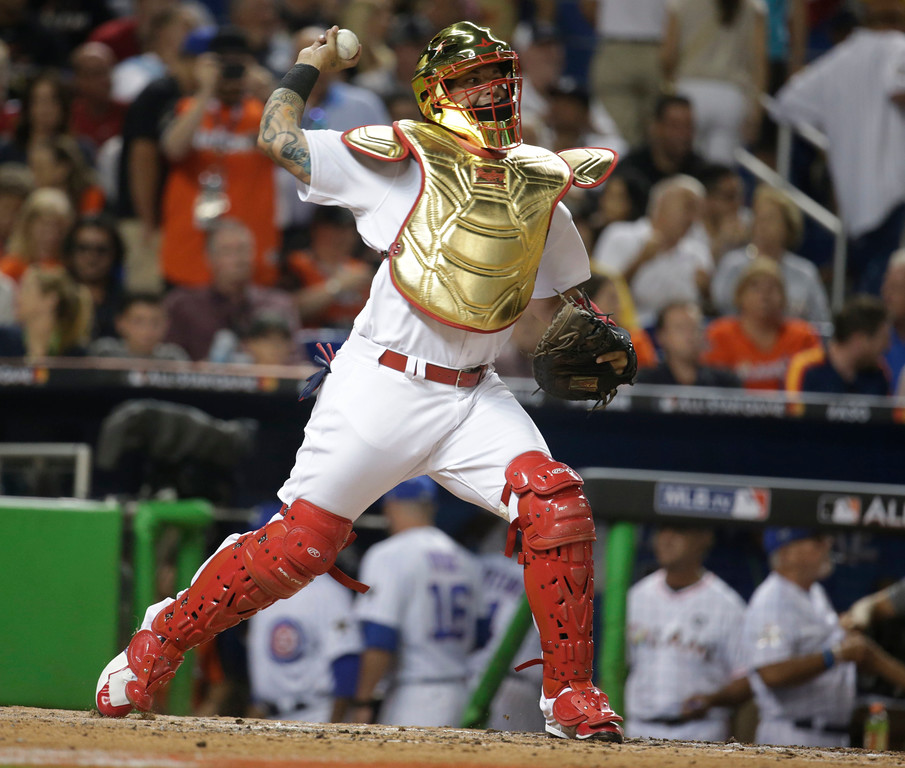 . National League\'s St. Louis Cardinals catcher Yadier Molina (4), throws during the sixth inning at the MLB baseball All-Star Game, Tuesday, July 11, 2017, in Miami. (AP Photo/Lynne Sladky)