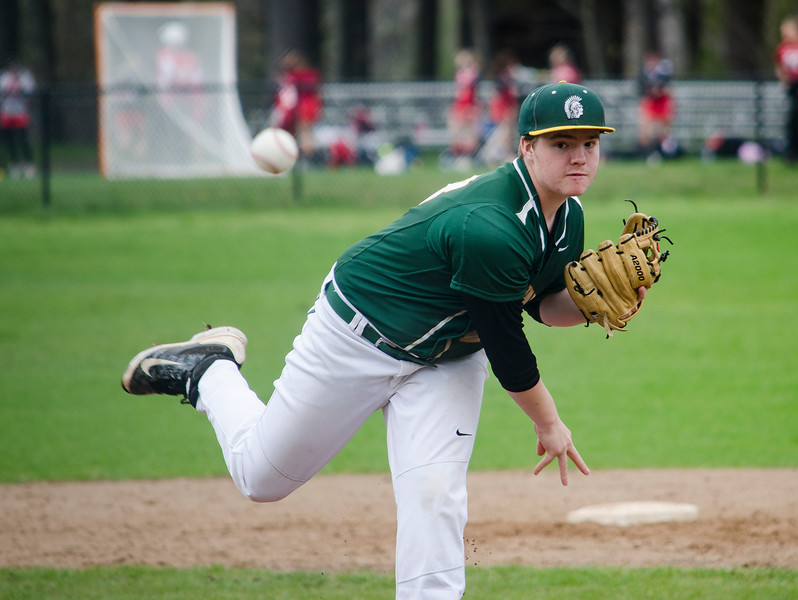 Oakmont's Sean Richard delivers a pitch during the game against Lunenburg on Friday afternoon. SENTINEL & ENTERPRISE / Ashley Green
