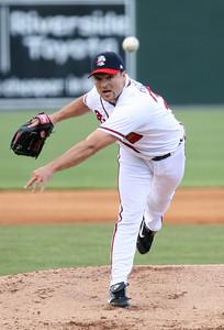 Atlanta Braves pitcher Mike Hampton_RuthAnne Anderson