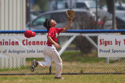 Alex chasing a deep hit to center field in the top of the 6th inning. The Nationals played a close and exciting game against the Cubs before being outscored in the 6th inning, losing 8-9. They are now 2-1 for the season. 2012 Arlington Little League Baseball, Majors Division. Nationals vs Cubs (21 Apr 2012) (Image taken by Patrick R. Kane on 21 Apr 2012 with Canon EOS-1D Mark III at ISO 200, f2.8, 1/4000 sec and 300mm)