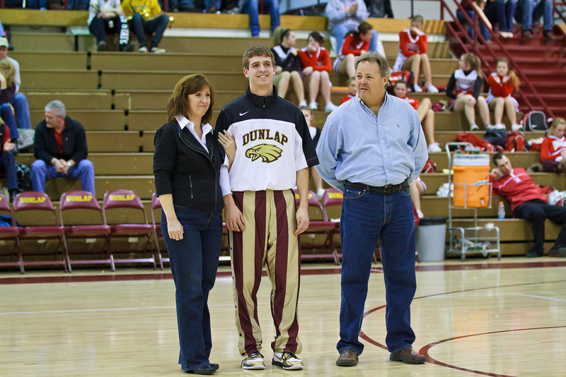 20110225_dunlap_senior_night_035