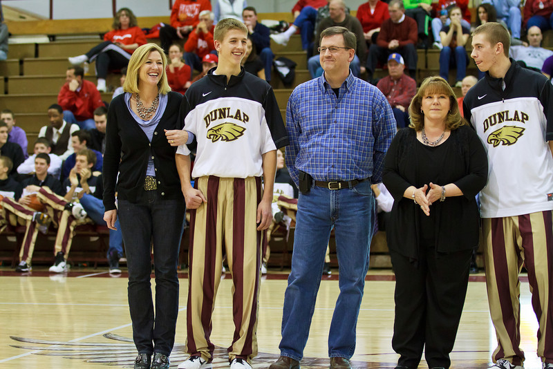 20110225_dunlap_senior_night_058