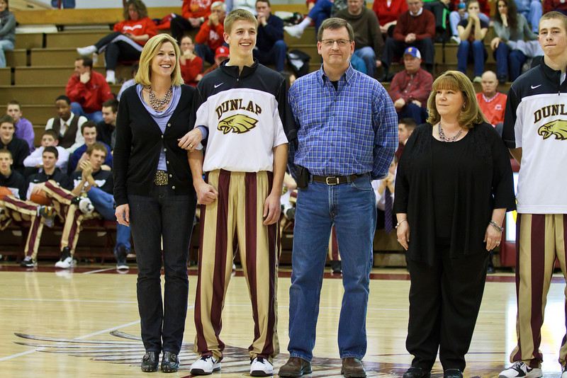 20110225_dunlap_senior_night_060