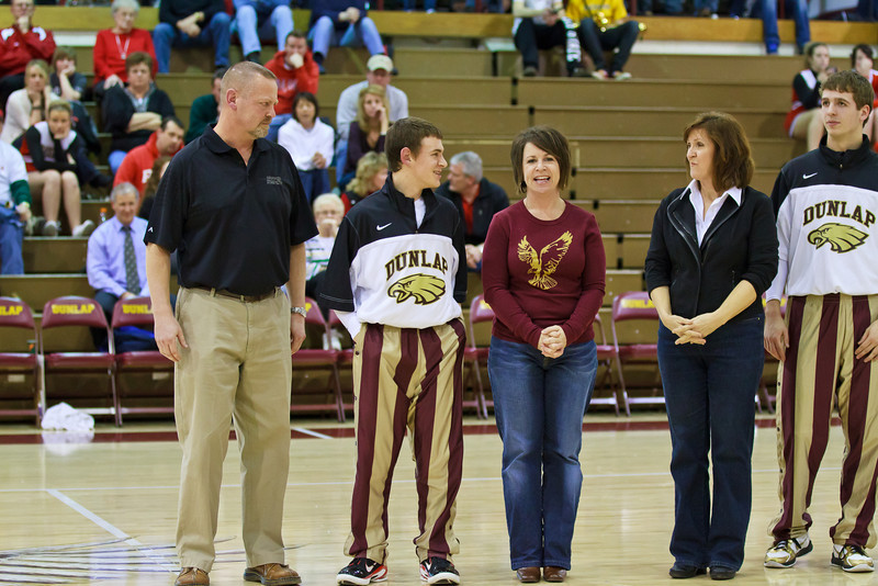 20110225_dunlap_senior_night_039