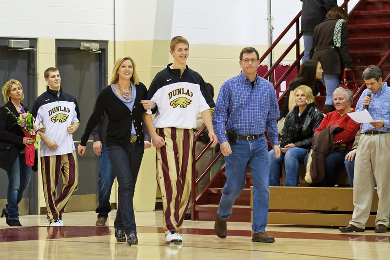 20110225_dunlap_senior_night_052