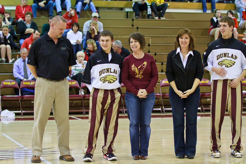 20110225_dunlap_senior_night_041