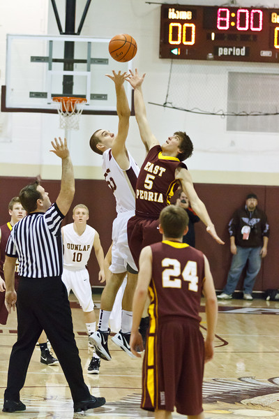 20120217_dunlap_vs_east_peoria_basketball_006