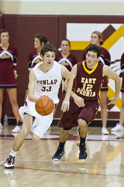 20120217_dunlap_vs_east_peoria_basketball_011