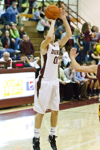 20120217_dunlap_vs_east_peoria_basketball_084